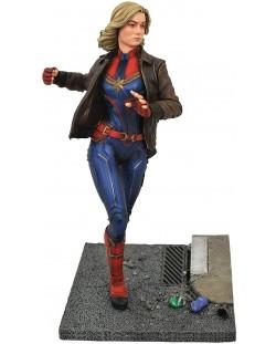 Statueta Diamond Select Marvel: Captain Marvel - Cap. Marvel (Movie premier), 28 cm