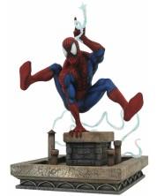 Statueta Diamond Select Marvel: Spider-Man - Swing, 20 cm